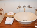 detalle-bano-amenities-casa-oniri