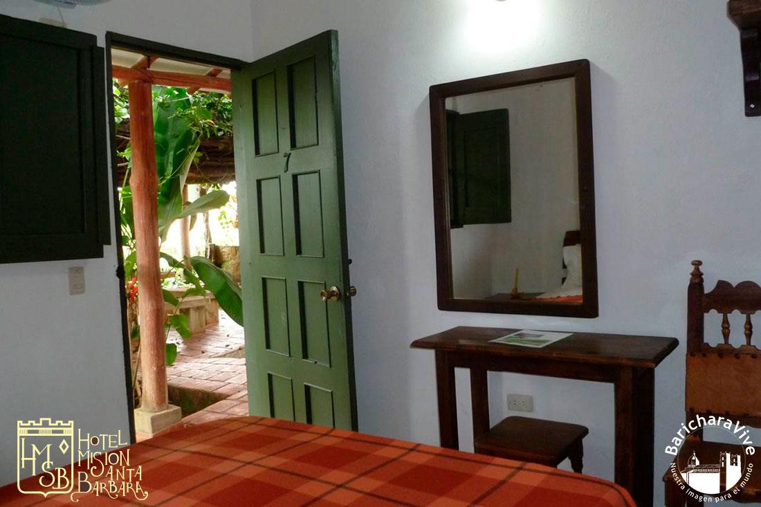 1-habitacion-estandar-hotel-mision-santa-barbara-baricharavive