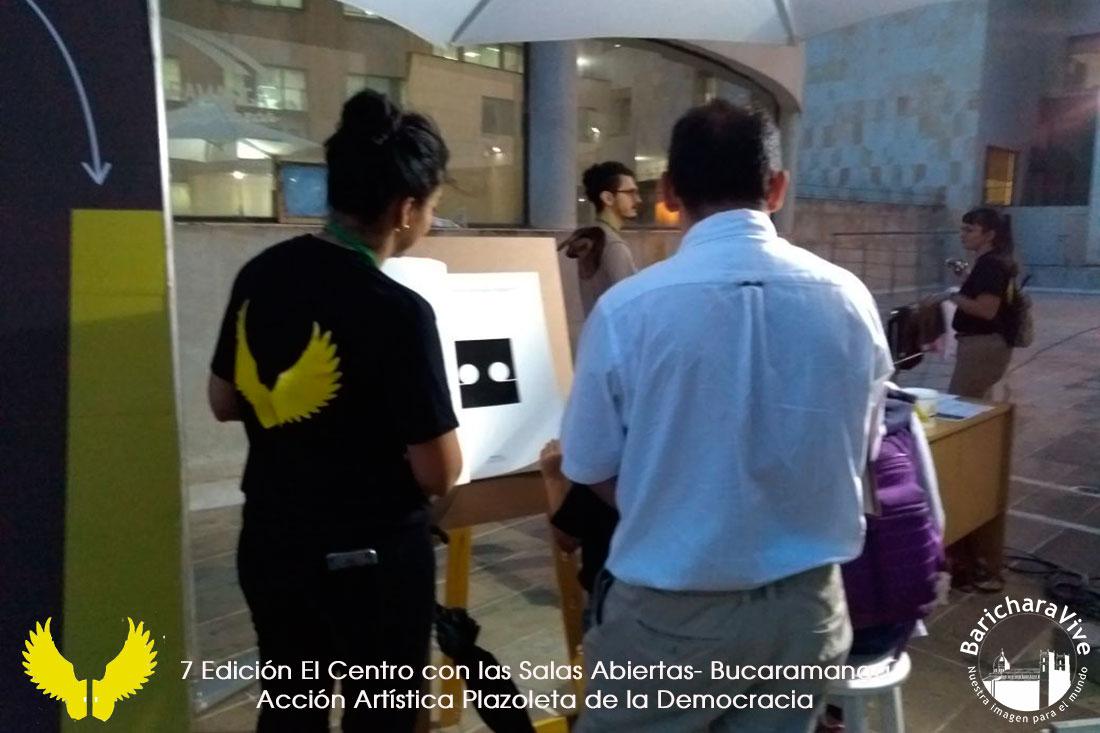 accion-artistica-plazoleta-de-la-democracia-salas-abiertas-baricharavive
